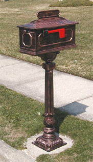 Pedestal Traditional Mailbox