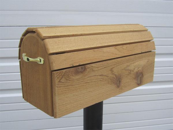 Cedar Post Mount Mailbox