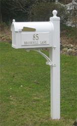 Deluxe Whitehall Mailbox