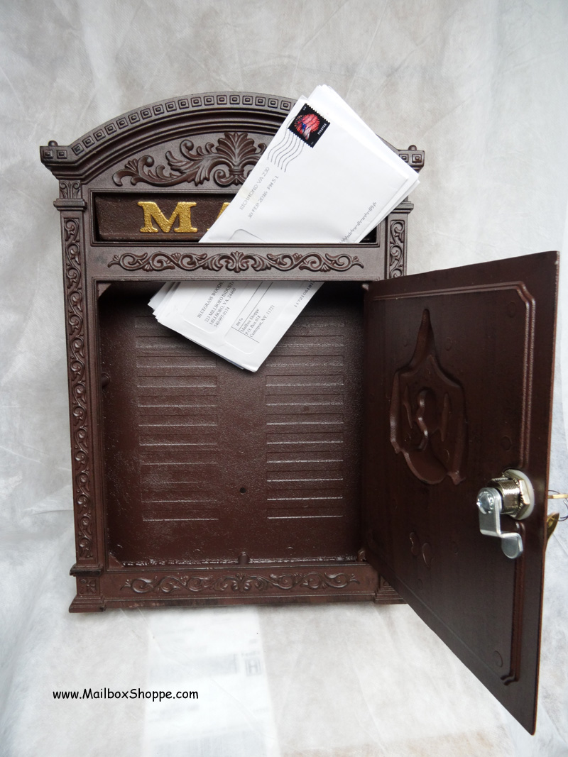 Ecco E6 Locking Victorian Mailbox